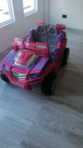 Vendo lindo carro para niña