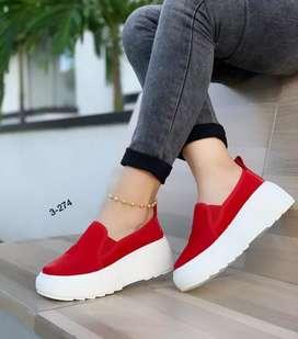 Zapatos deportivos clásicos de dama