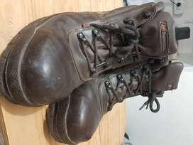 Vendo zapatos de seguridad punta de acero. Nro 43. Marca funcional
