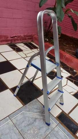 Escalera tijera de aluminio 3  y 5 escalones Nuevas.