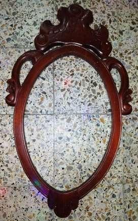 Marco de Espejo,tallado en Madera