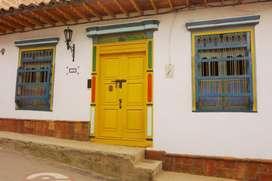 Espectacular Casa Antigua en El Retiro