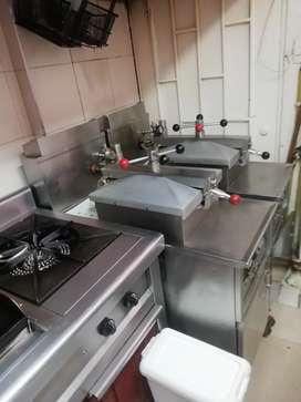 Se vende negocio de pollo broaster y arroz chino