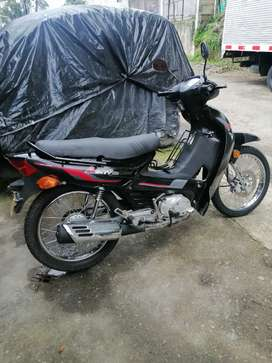 Vendo moto active 110, modelo 2014, llantas y batería nuevas, en muy buen estado