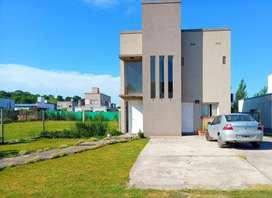 ¡Vendo hermosa casa en barrio privado!