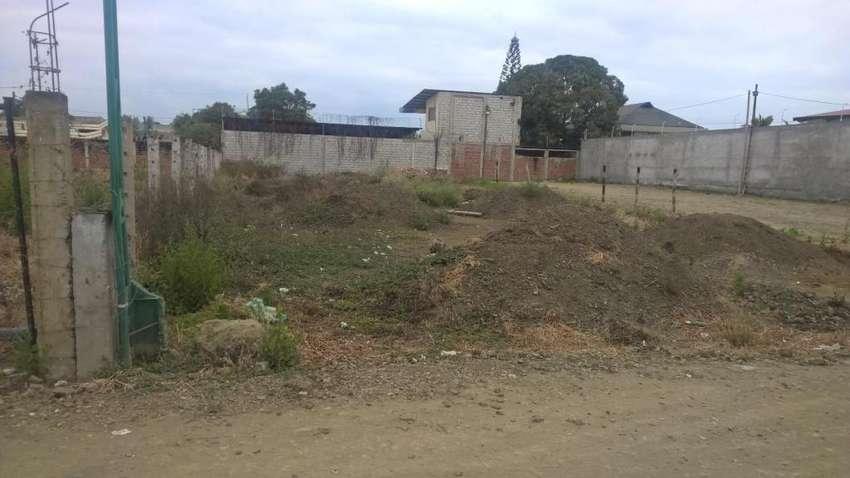 se vende terreno en Portoviejo 0
