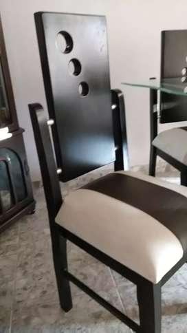 Vendó comedor de cuatro puestos  mesa de vidrio