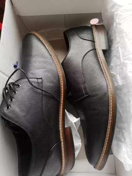 Vendo zapato  negro nueva call it spring talla 42
