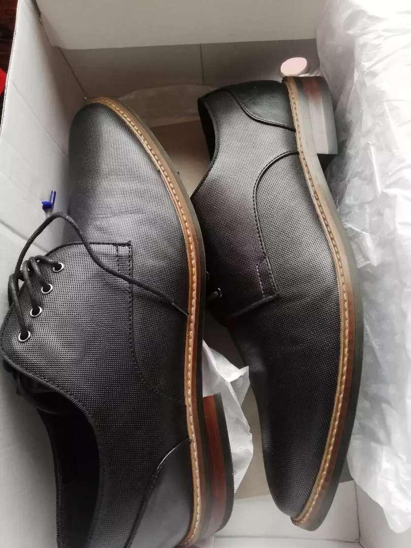 Vendo zapato  negro nueva call it spring talla 42 0