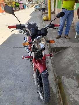 Vendo moto en buen estado bien cuidada 3000000 NEGOCIABLE