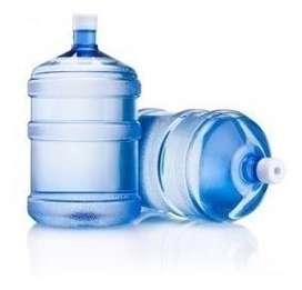 Se necesita distribuidor de agua