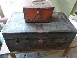 Vendo baúl antiguo ejército argentino y caja herramienta