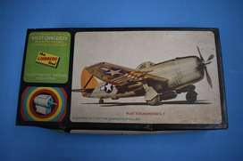 Modelo a escala de Avión P-47 Thunderbolt con motor eléctrico