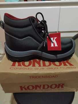 Zapatos con plantilla, marca Kondor