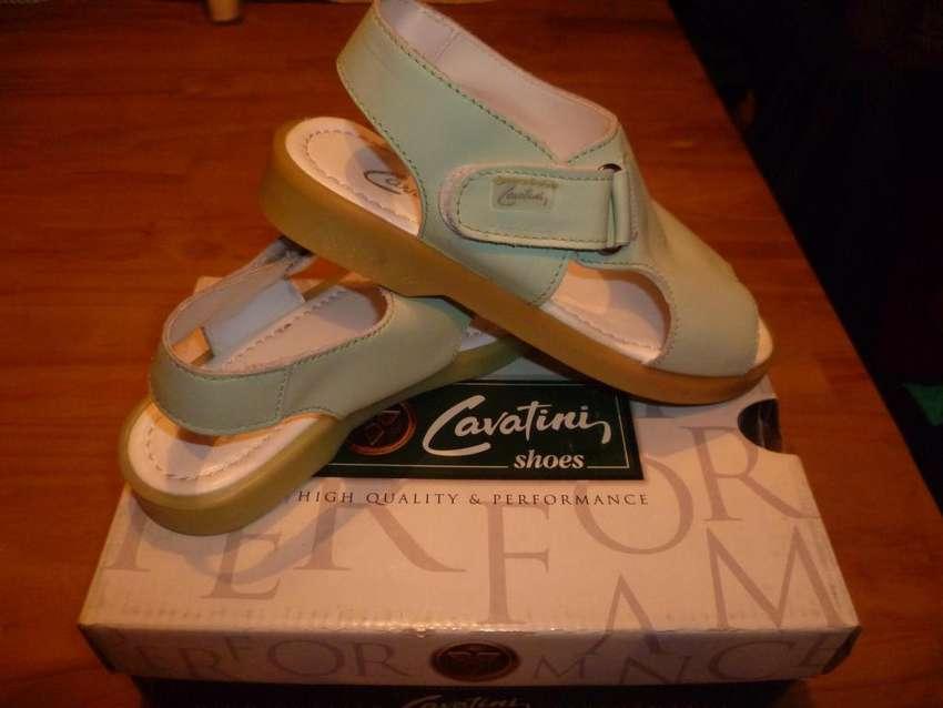 Sandalias de reconocida marca, Originales 0