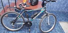 Vendo bicicleta semi nueva   500 soles