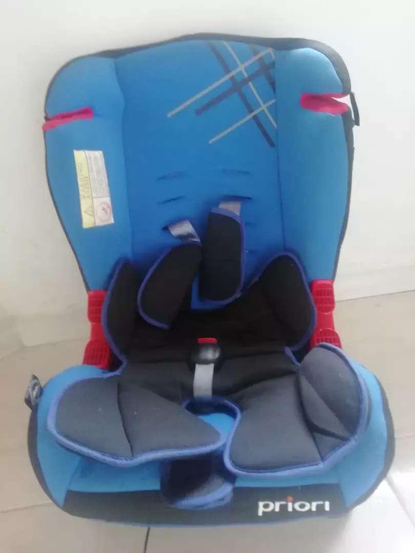 Silla para carro marca Priori - (bebé)