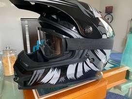 Casco para moto o downhill nuevo