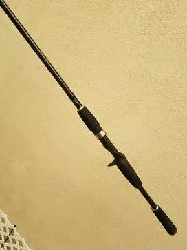 Caña pesca Okuma Tarvos 2,10 cm sin uso