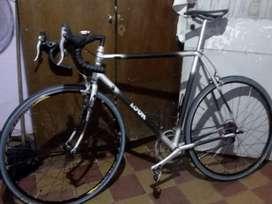 Vendo bici de ruta look de carbono