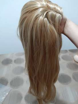 Vendo  hermosa peluca rubia semisintetico totalmente nueva