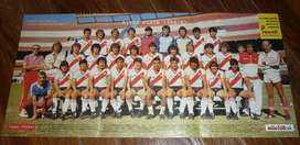 antiguo POSTER LAMINA SUPERFUTBOL RIVER PLATE 1986 Y COLOMBATTI RACING CLUB . DOBLE