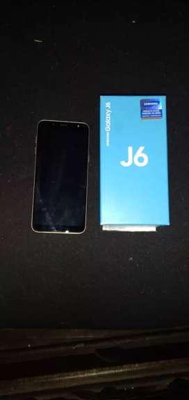 Vendo celular Samsung Galaxy J6 usado display dañado