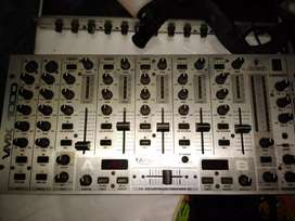 Vendo consola behringer mixer pro vmx1000