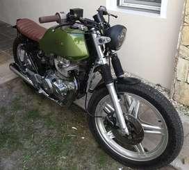 Honda CB400 N personalizada estilo Scrambler