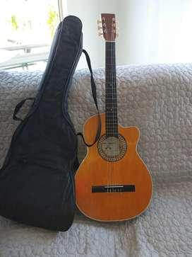 Vendo guitarra.  Buen estado