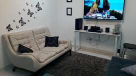 Hermoso sofa beige