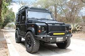Vendo Land Rover Defender Td5 año 2001