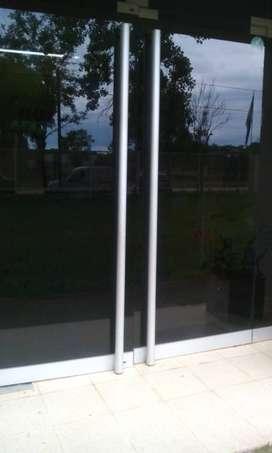 Puerta ingreso comercio vidrio 2 hojas