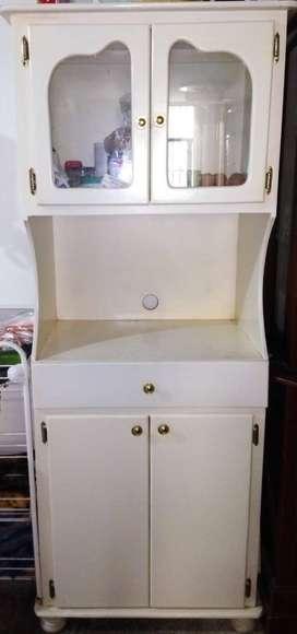 anaquel y aparador de cocina blancos