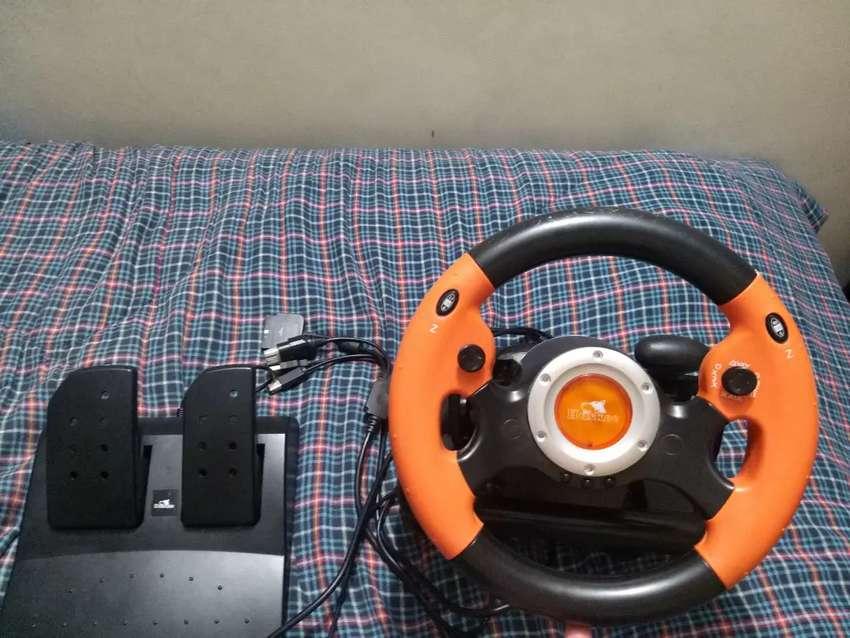 Volante y pedal para pc y play 0