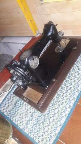 Maquina de coser antigua PARA COLECCION UNICAMENTE