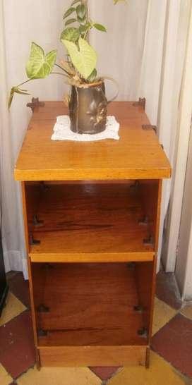 Mesa mueble para T.v. y múltiples usos como archivador, biblioteca... 50mil pesos
