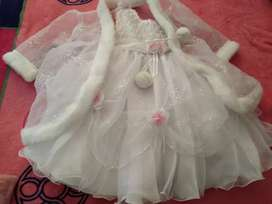 Un vestido blanco en buen estado