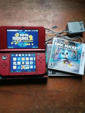 NEW NINTENDO 3DS XL HACKEADA CON CAJA CARGADOR Y MEMORIA DE 4 GB