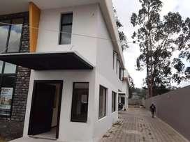 Última casa tipo independiente de venta en Izamba