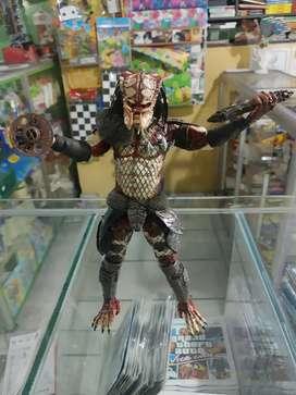 Se vende figura Snake Predator, Marca Neca Original