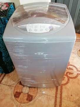 Vendo lavadora haceb de 20 libras digital