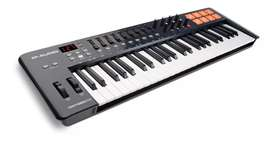 Teclado midi M-audio Oxygen 49 Mk4 Usb Midi-keyboard vendo rapido segunda mano  Yerba Buena, Tucumán