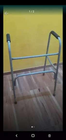 VENDO ANDADOR ORTOPÉDICO