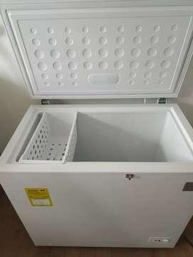 Refrigerador o Congelador Horizontal Electrolux 200 litros