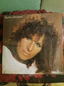 "Vinilo de Barbara Streisand ""MEMORY"""
