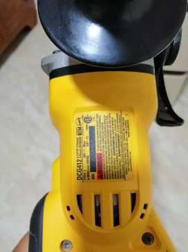 Se vende o se cambia pulidora inalambrica sin batería y sin el cargador original y nueva