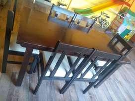 Mesa rectangular 1,60 por 80cm con 6 sillas
