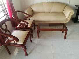 Venta de juego clasico de muebles en excelente estado