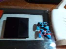 xbox 360 en perfecto estado con dos controles y disco duro con 80 juegos incluidos